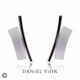 DANiEL ViOR TANGENT II Black oorbellen