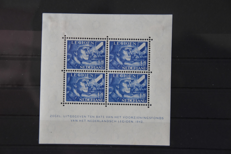NEDERLAND 1942 NVPH 403 VELLEN PLAK(REST) ++ D(A) 133