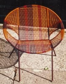 Owusu chair nr. 7 Ghanese kuipstoel bruin/oranje/rood