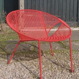 Owusu chair nr. 25 Ghanese kuipstoel Effen rood