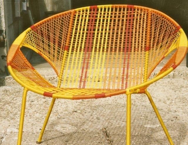 Owusu chair nr. 13 Ghanese kuipstoel Geel/oranje/rood