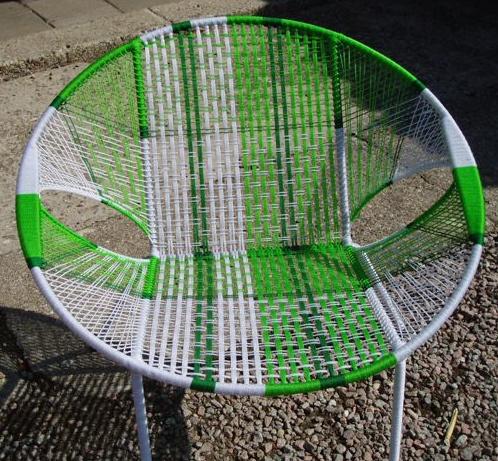 Owusu chair nr. 21 Ghanese kuipstoel licht groen/wit/donker groen