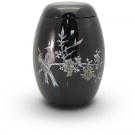 Glasfiberurn met vogel en bloemmotief