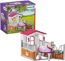 Paardenbox  Lusitano Merrie