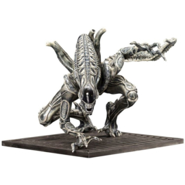 Alien Warrior Drone ArtFX+ Statue 15cm