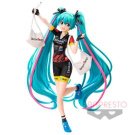 BANPRESTO Racing Miku Espresto Hatsune Miku 2019 TeamUKYO figure - 17cm