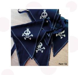 Vlaggenlijn Piraat! (3) Zwart-Glittergoud 2.90 mtr.