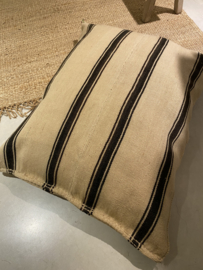 floor cushion stripe