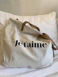 shopper 'je t'aime'