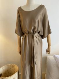 oversize silky dress camel