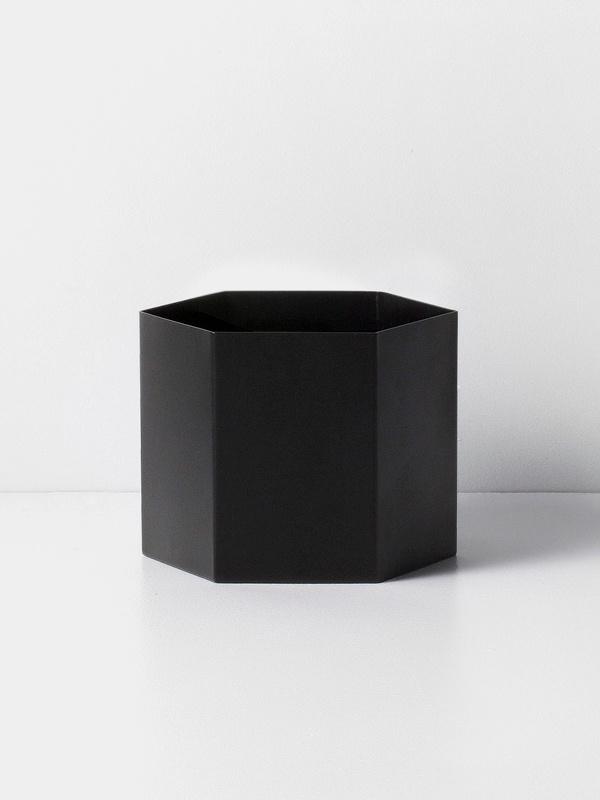 hexagon pot black XL