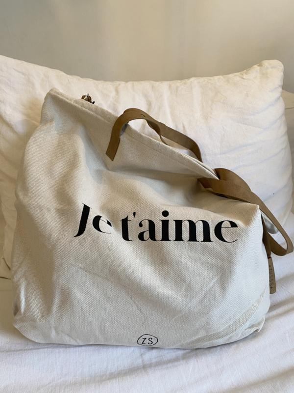 shopper 'je t'aime'