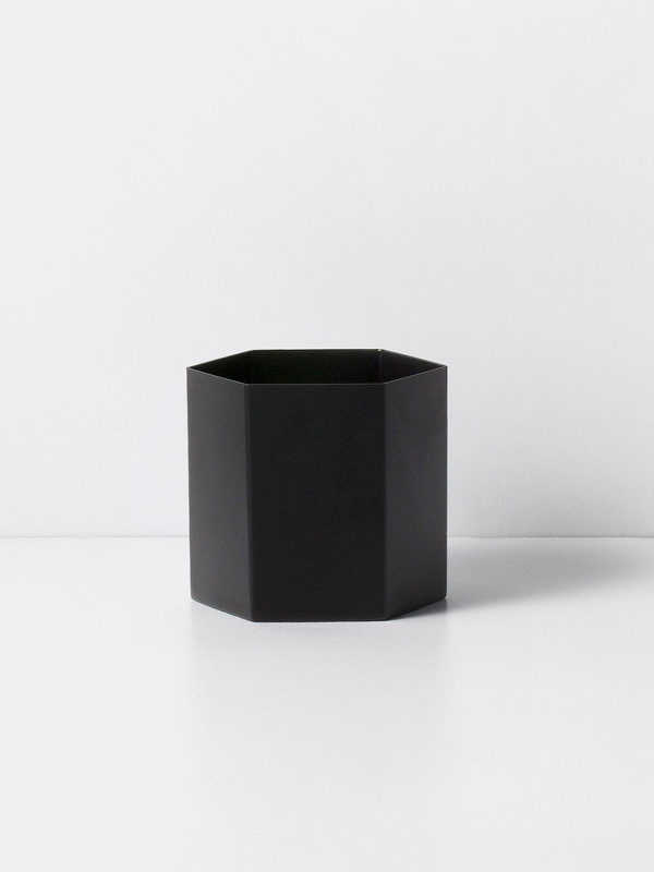 hexagon pot black L