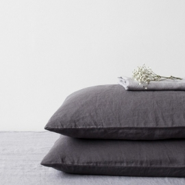 Dark Grey Stone Washed Linen Kussensloop