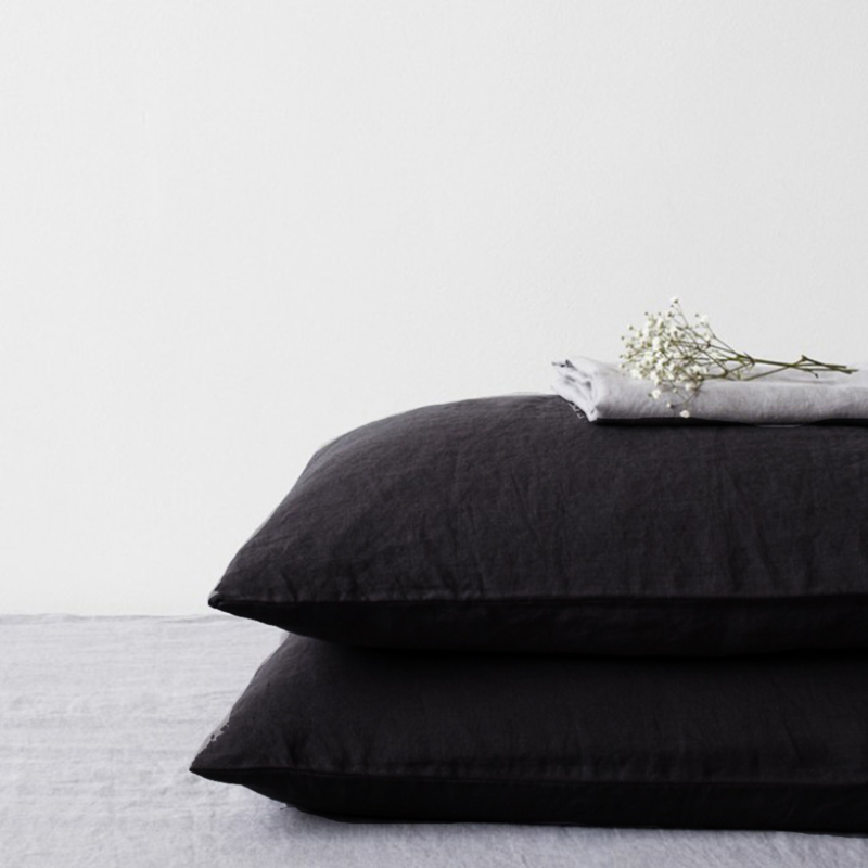 Black Stone Washed Linen Kussensloop