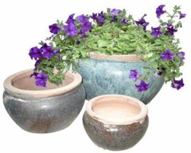 Blauwe ronde potten