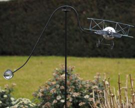 Tuinsteker vliegtuig