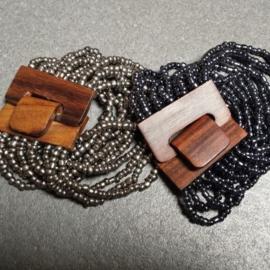 Armband kleine kralen, houten sluiting