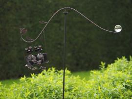 Tuinsteker 2 kikkers in de schommel