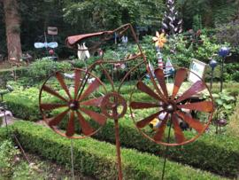 Tuinsteker groot balans fiets roest