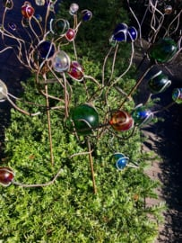 Tuinsteker koper met gekleurde knikkers
