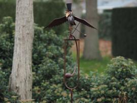 Tuinsteker vogel met hoge hoed