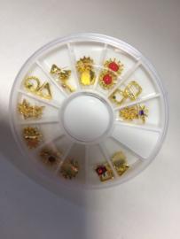 Nail art Mix goud met gekleurde steentjes