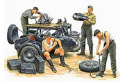 MB 3560 German Motorcycle Repair Crew