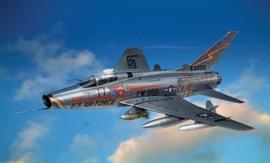Italeri 1299 F-100D Super Sabre