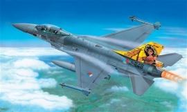 Italeri 1271 F-16 Fighting Falcon
