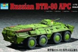 Trumpeter 7267 Russian BTR-80 APC