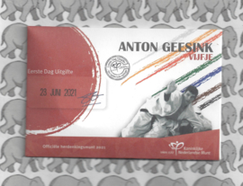 "Nederland 5 euromunt 2021 (47e) ""Anton Geesink vijfje"" (1e dag van uitgifte coincard in envelopje)"