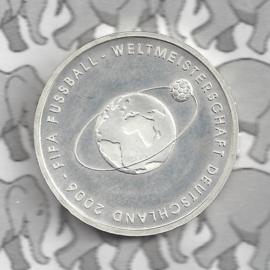 "Duitsland 10 euromunt 2004 (12e) ""Fifa Voetbal 2e uitgifte"" (nikkel)."