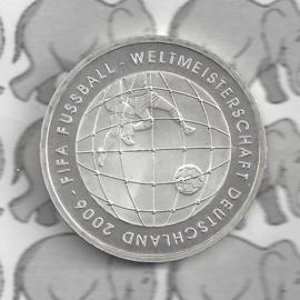 """Duitsland 10 euromunt 2005 (18e) """"Fifa Voetbal Duitsland 3e uitg."""" (nikkel)."""