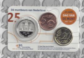 """Nederland coincard 2017 """"25 jaar Dag van de Munt"""". Penning, 5 en 20 cent van 2017"""