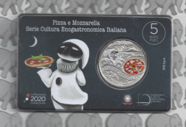 "Italië 5 euromunt 2020 ""De Italiaanse eet- en wijncultuur: pizza en mozzarella"" (zilver, coincard in blister)"