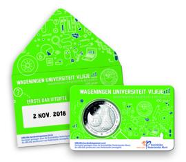 """Nederland 5 euromunt 2018 """"Wageningen Universiteit vijfje"""" (1e dag van uitgifte coincard in envelopje)"""