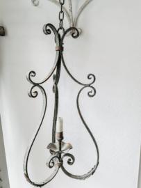 Antieke hanglamp uit Frankrijk.