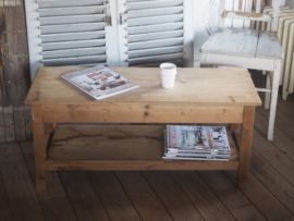 Stoer landelijke salontafel.