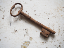 Hele grote oude sleutel.
