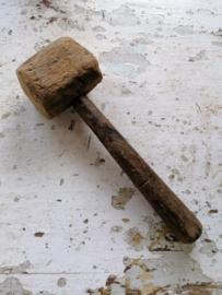 Oud houten hamer.