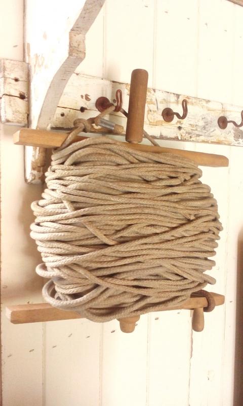 Grote haspel met touw.