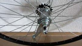 Achterwiel met terugtraprem (28 * 1 5/8) - aluminium ZWART