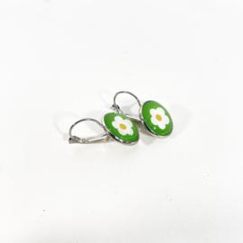 Klapoorbellen  wit bloemetje groen