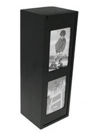 1-vaks zwarte houten Wijnkisten voor 2 foto's.