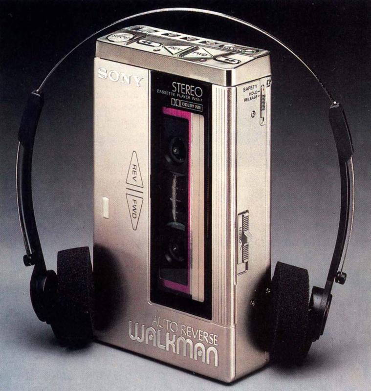 Sony WM-7 (1982)