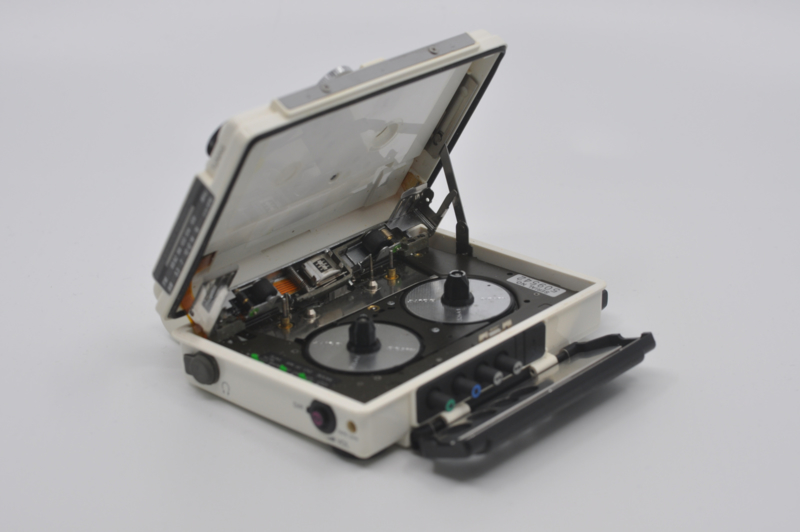 Sony WM-F107 (1986)