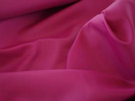 Polyester voering kleur fuchia € 1,50 p/mtr  5 meter voor : € 7,50 ART V29