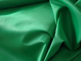 Polyester voering kleur  donkergroen   € 1,50 p/mtr  5 meter voor : € 7,50 ART V83