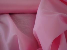 Polyester voering kleur baby roze € 1,50 p/mtr 5 meter voor :€ 7,50 ART V07